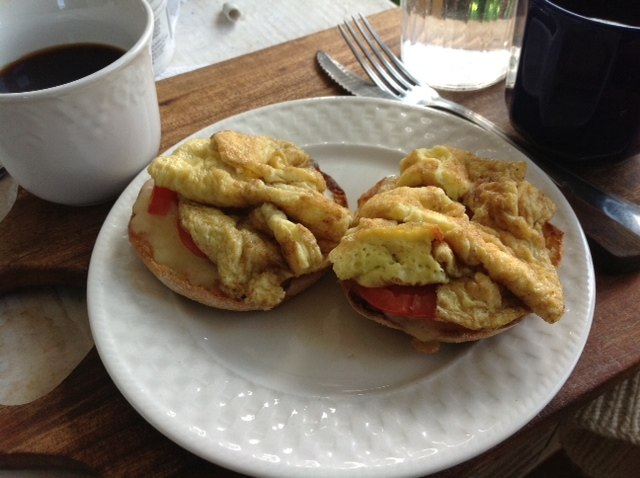 One Egg Omelette over English muffin, photo by Catinka Knoth